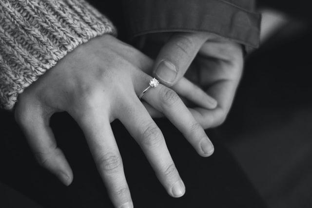טבעות אירוסין יהלומים ייחודיות מדהימות לכל טעם כלה